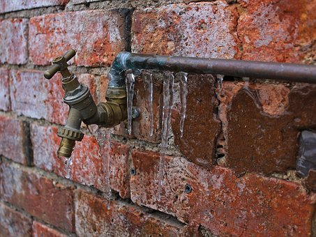 Ways to Keep Your Pipes from Freezing